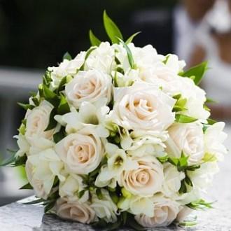 V-kakom-cvete-sdelat'-svad'bu-v-2016-godu-novinki-100-foto_1 (11)